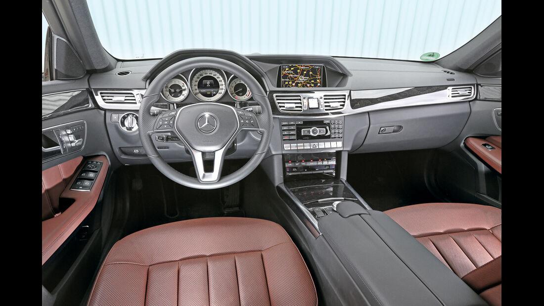 Mercedes E 400 T 4Matic, Cockpit