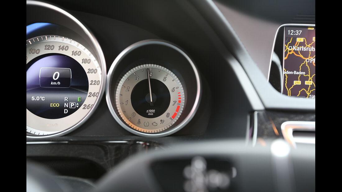 Mercedes E 400 T 4Matic, Rundinstrumente