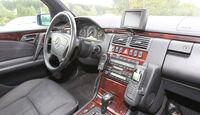 Mercedes E 420, Cockpit