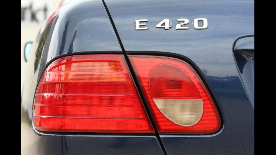Mercedes E 420, Rücklichter