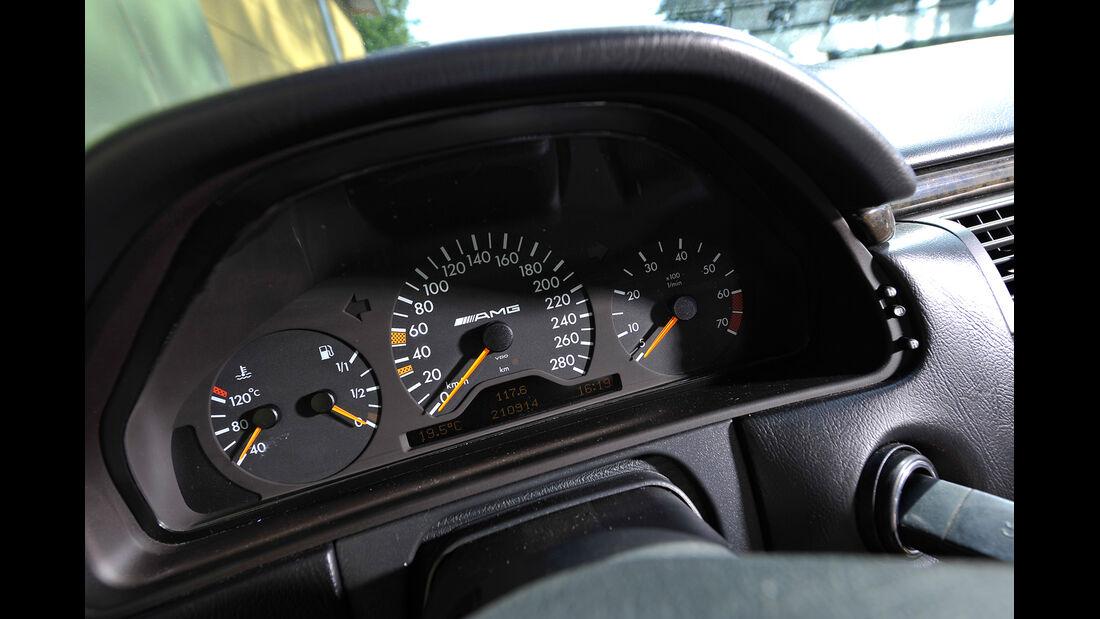 Mercedes E 50 AMG, Rundinstrumente