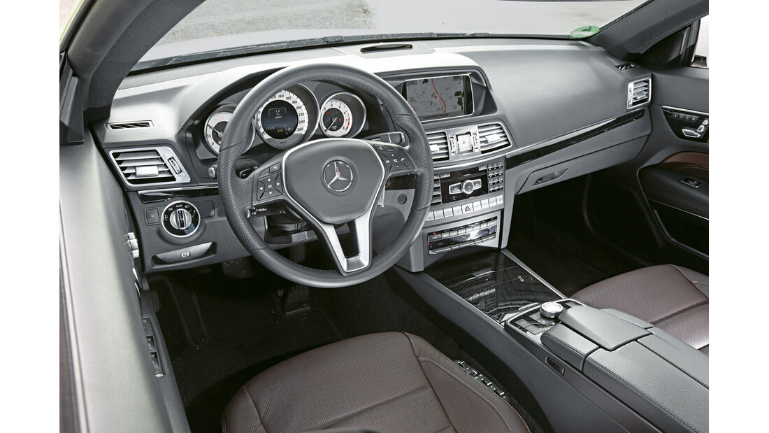 Mercedes E 500 Coupé, Cockpit