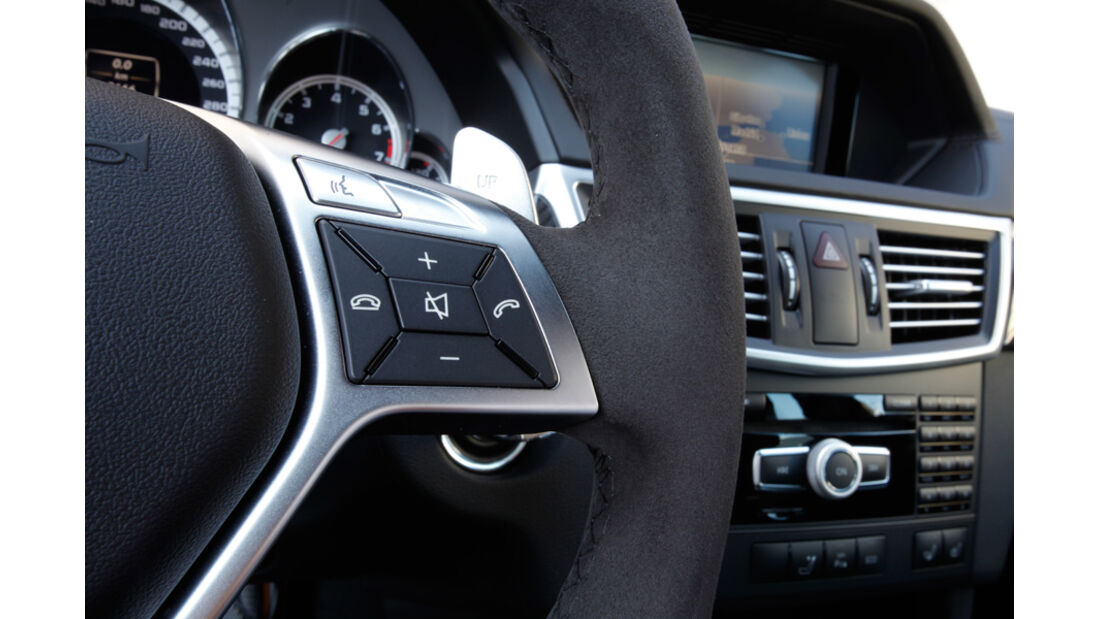 Mercedes E 63 AMG, Lenkrad, Detail, Bedienelemente