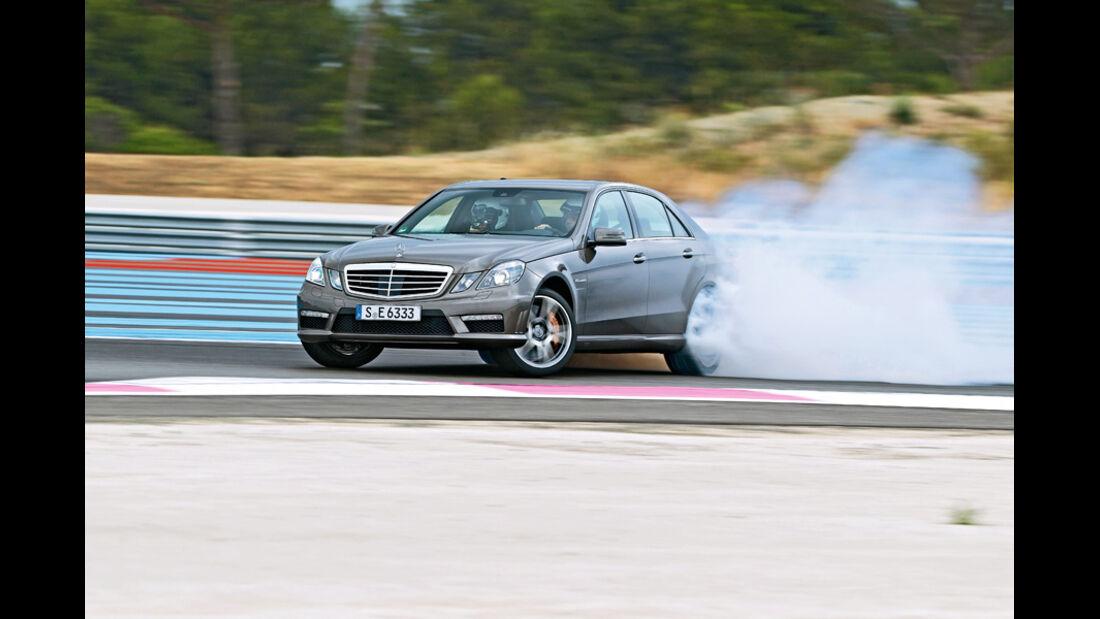 Mercedes E 63 AMG, Seitenansicht, Burnout