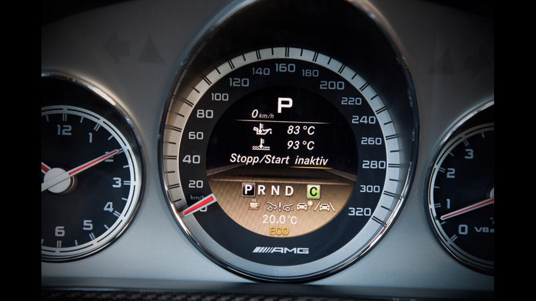 Mercedes E 63 AMG, Tacho, Anzeigeinstrumente