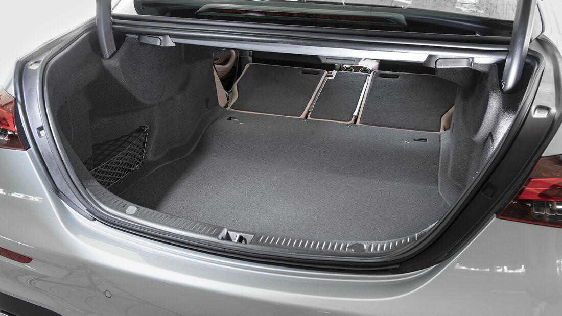 Mercedes E-Klasse Facelift, Kofferraum