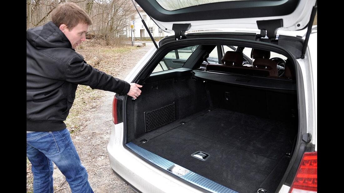 Mercedes E-Klasse, Kofferraum, Rückbankentriegelung