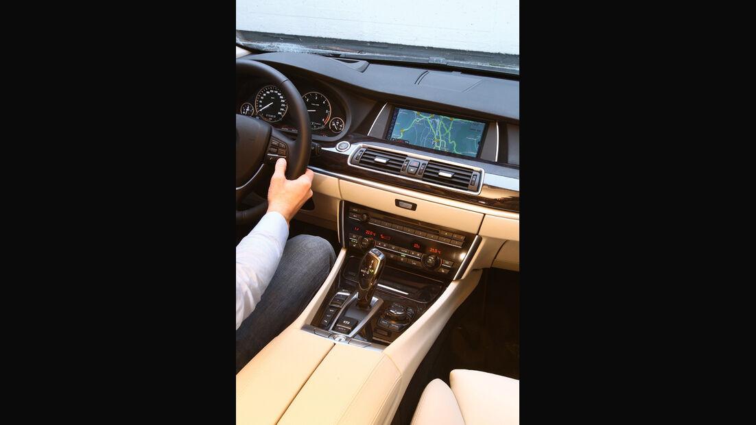Mercedes E-Klasse, Mittelkonsole