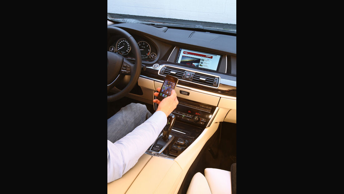 Mercedes E-Klasse, Mittelkonsole, iPhone