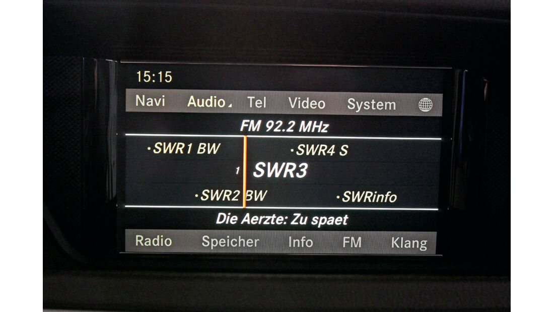 Mercedes E-Klasse, Radio, Anzeige