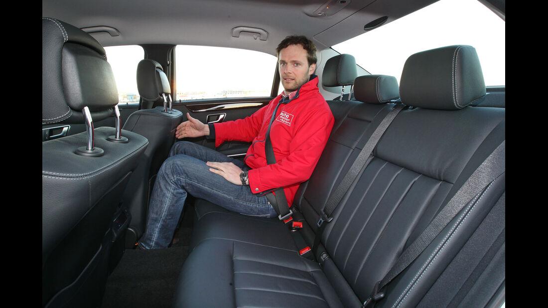 Mercedes E-Klasse, Rücksitz, Beinfreiheit