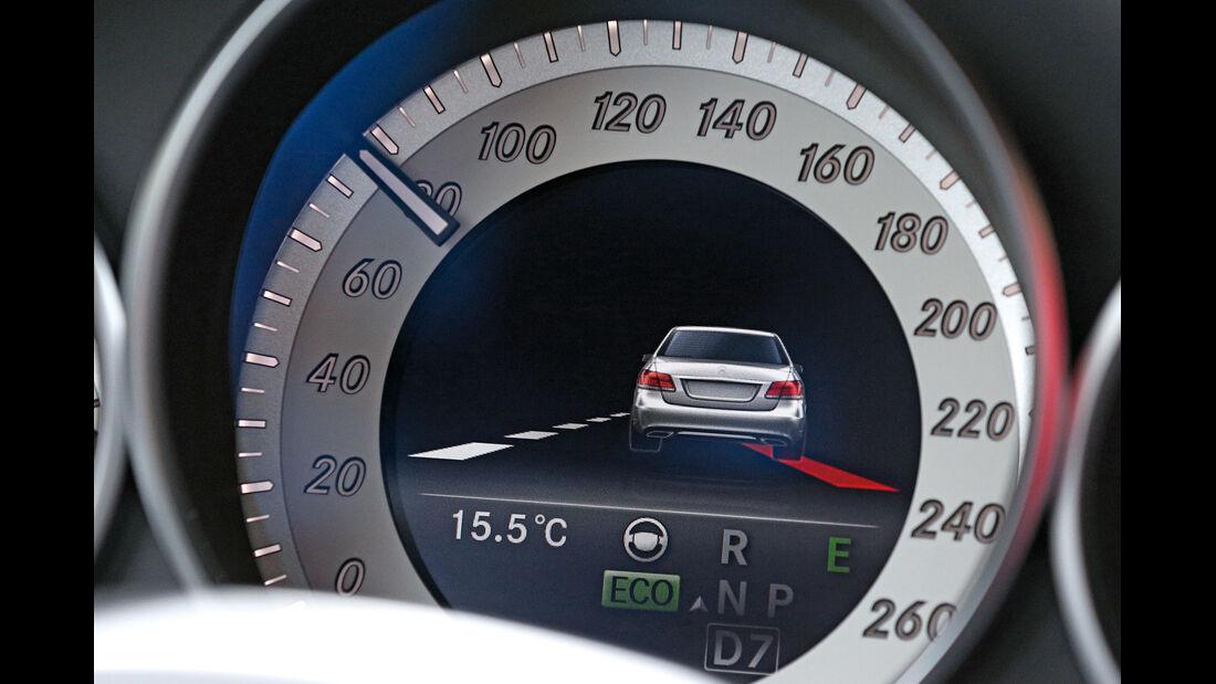 Mercedes E-Klasse, Spurhalteassistent