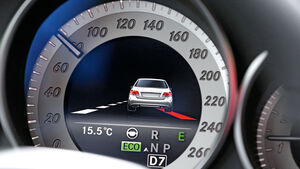 Mercedes E-Klasse, Spurhaltegrafik