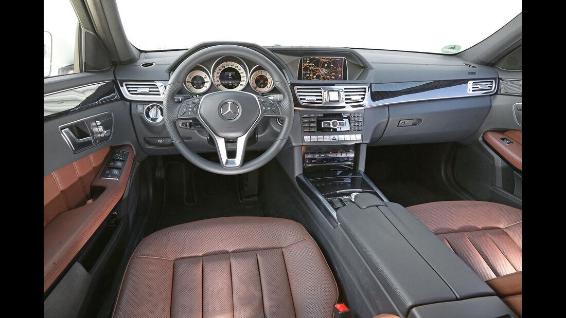 Mercedes E-Klasse T, Cockpit