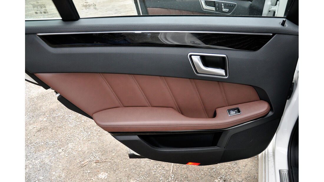Mercedes E-Klasse, Türverkleidung