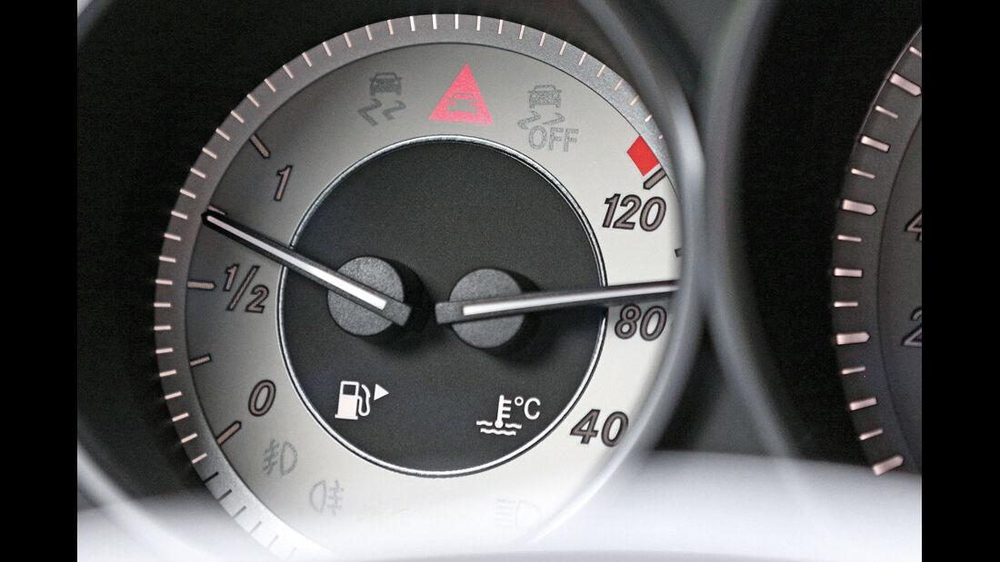Mercedes E-Klasse, Warnung