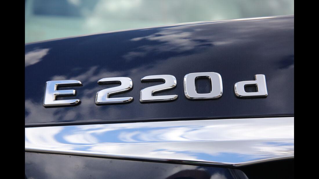 Mercedes E220 d Schriftzug