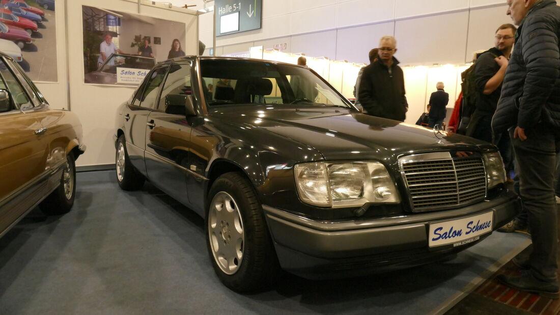 Mercedes E420 auf der Bremen Classic Motorshow 2020