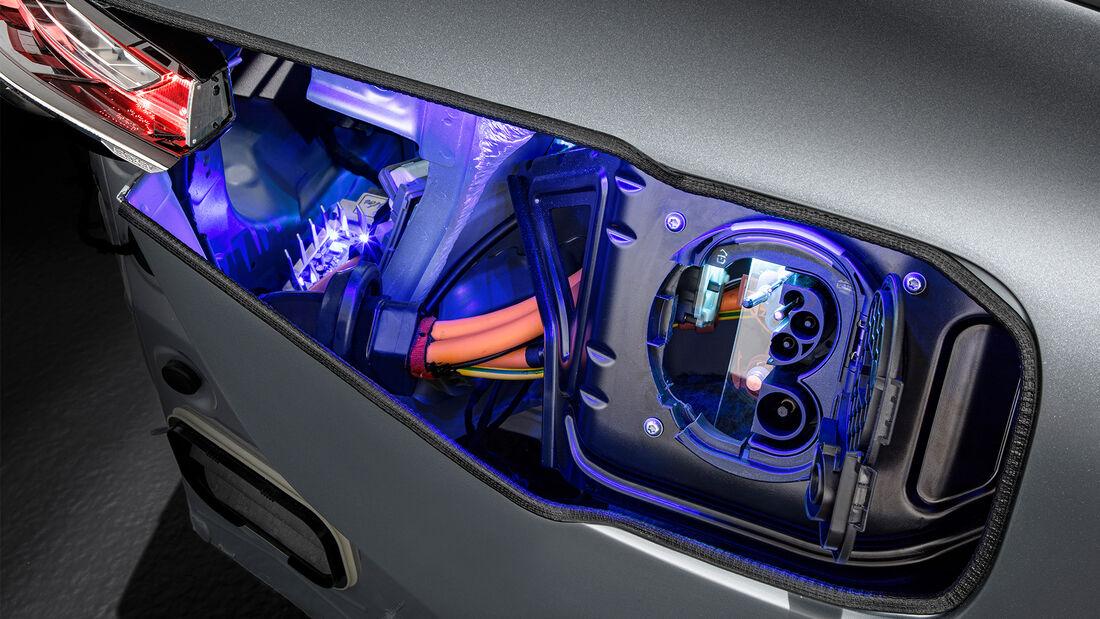 Mercedes EQC Schnittmodell Azubi Projekt