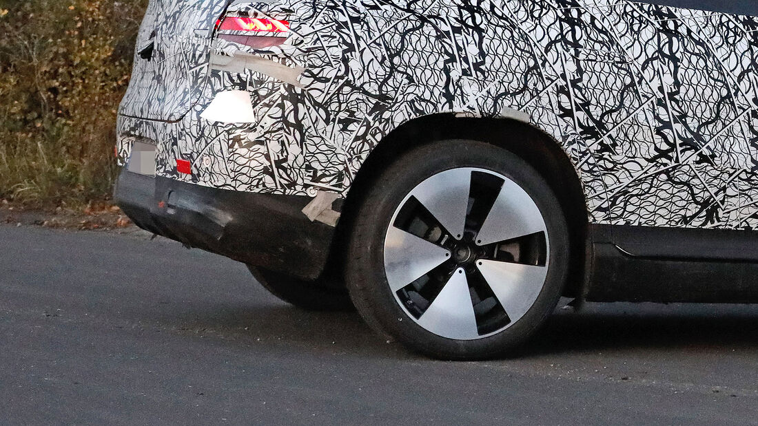 Mercedes EQE SUV Erlkönig