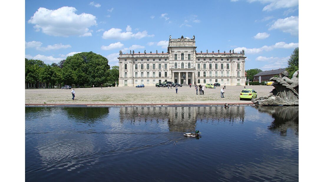 Mercedes F-Cell World Drive Tag 70, Schloss Ludwigslust