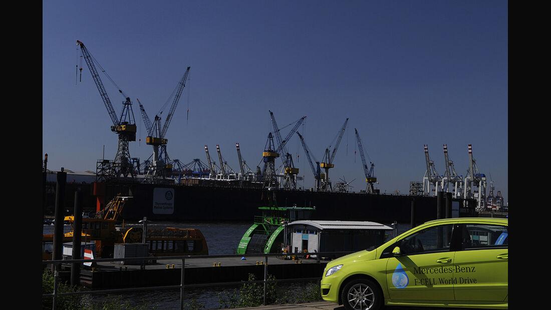 Mercedes F-Cell World Drive Tag 70, hamburger Hafen