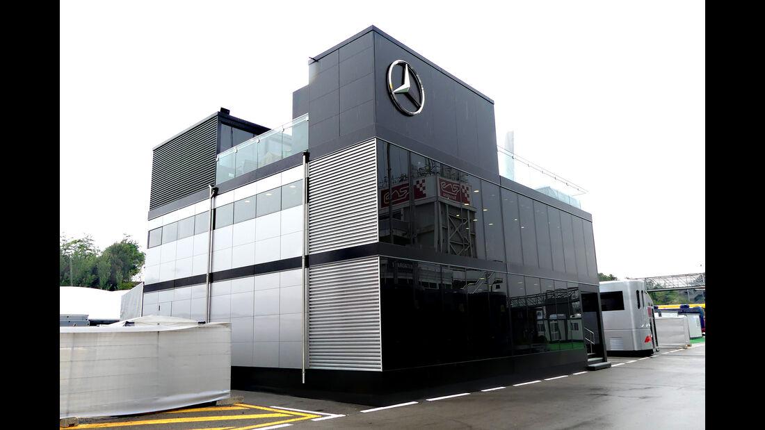 Mercedes - F1-Motorhomes - GP Spanien 2018