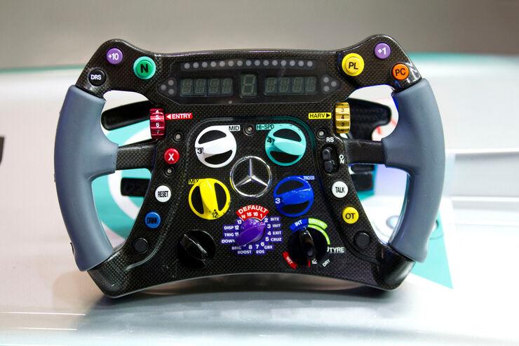 Mercedes Formel 1 Lenkrad 2013 Auto Motor Und Sport