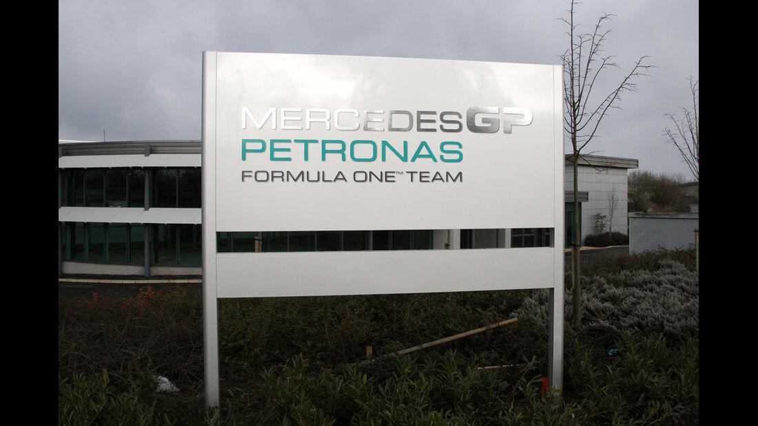 Mercedes Fabrik Brackley