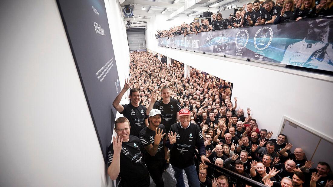 Mercedes Fabrik Brackley - Meisterfeier