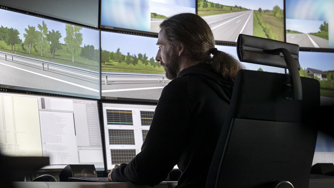 Mercedes Fahrverhaltensentwicklung, Kontrollraum