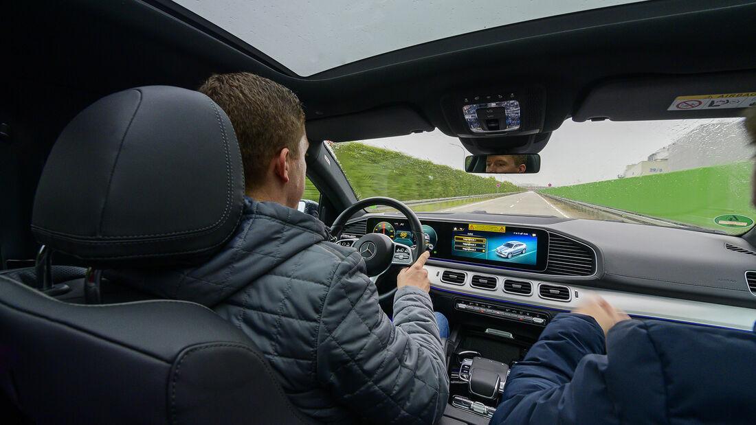 Mercedes Fahrverhaltensentwicklung, Redakteur
