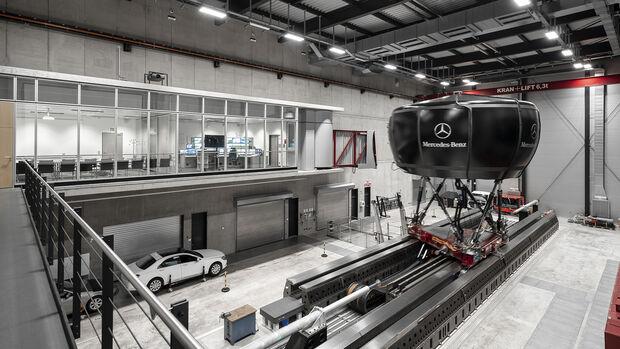 Mercedes Fahrverhaltensentwicklung, Simulator aussen