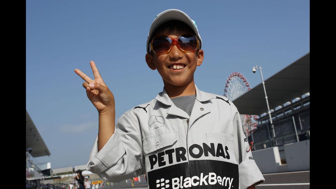 Mercedes-Fan - Formel 1 - GP Japan - 12. Oktober 2013