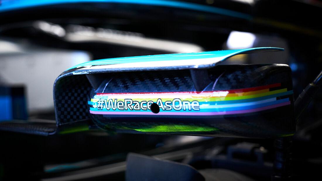 [Imagen: Mercedes-Formel-1-GP-Oesterreich-Spielbe...703481.jpg]