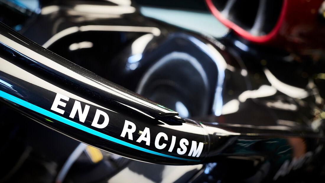 [Imagen: Mercedes-Formel-1-GP-Oesterreich-Spielbe...703482.jpg]