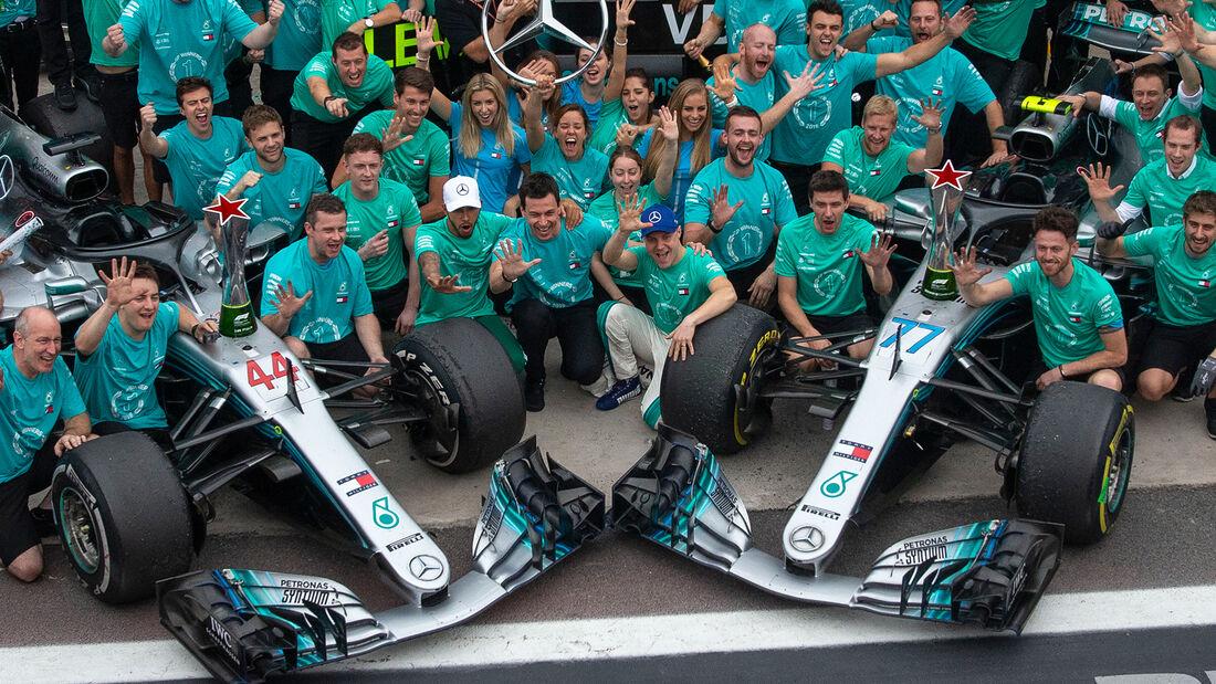Mercedes - Formel 1 - Teamfoto - GP Brasilien 2018