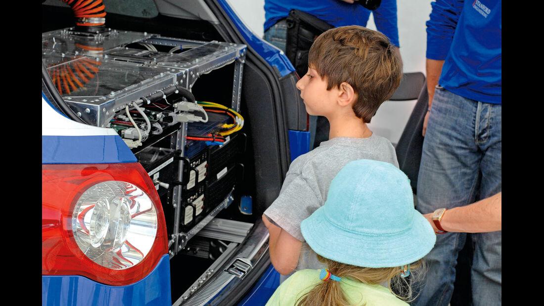 Mercedes-Forschung, Technik, Zuschauer