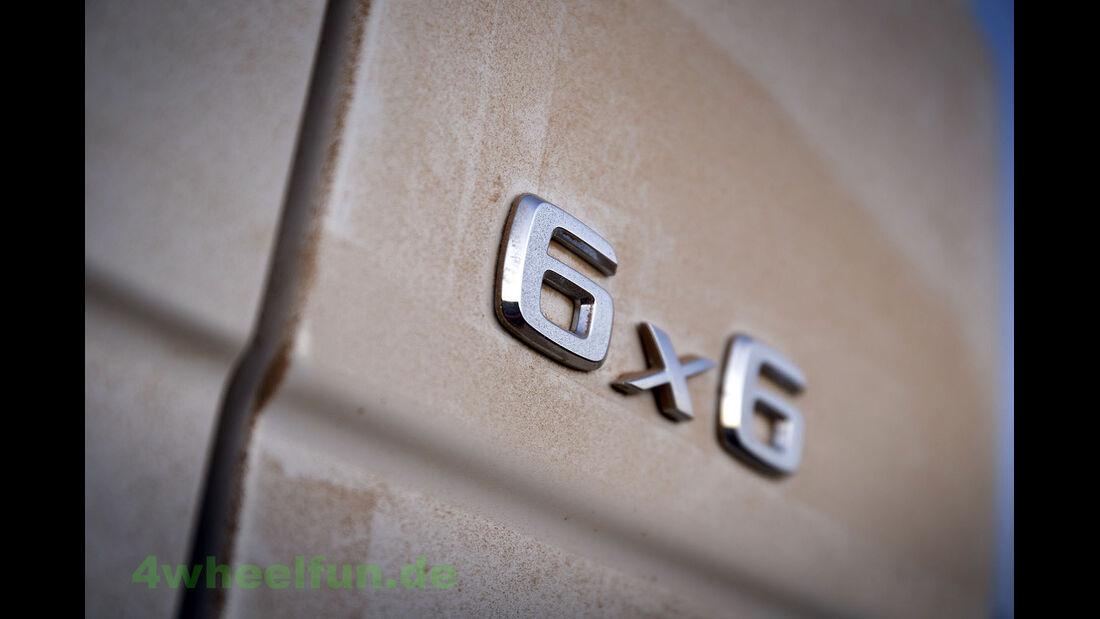 Mercedes G 63 AMG 6x6 in Dubai 2013