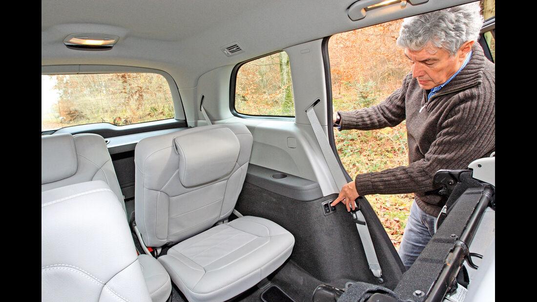 Mercedes GL 350 Bluetec, Rücksitz, umklappen