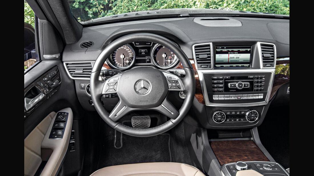 Mercedes GL, Cockpit
