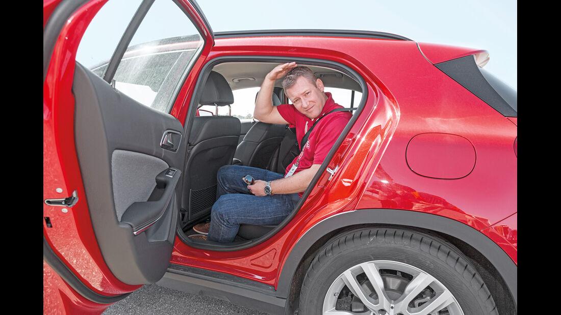 Mercedes GLA 200, Fondsitz, Kopffreiheit