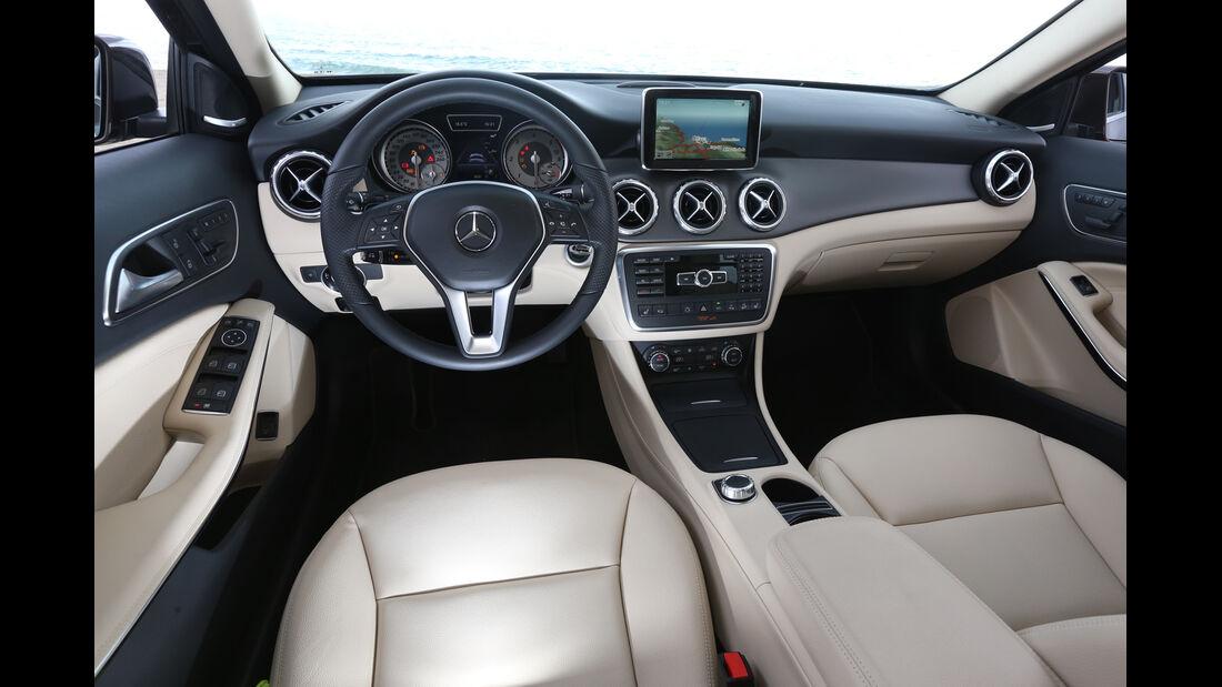Mercedes GLA 220 CDI 4Matic, Cockpit