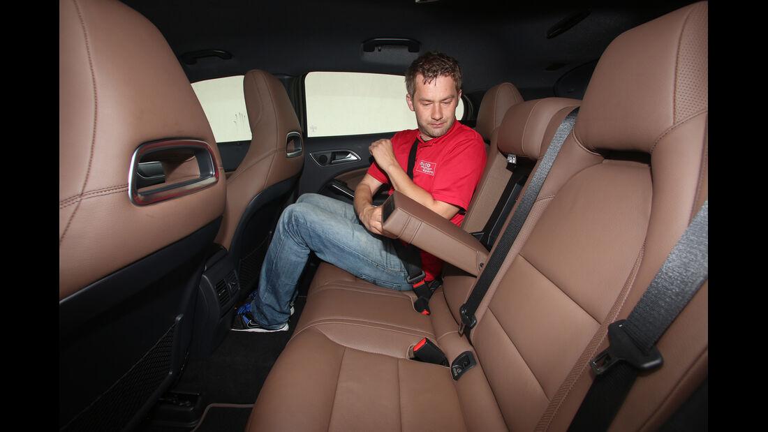 Mercedes GLA 220 CDI 4Matic, Fondsitz, Beinfreiheit