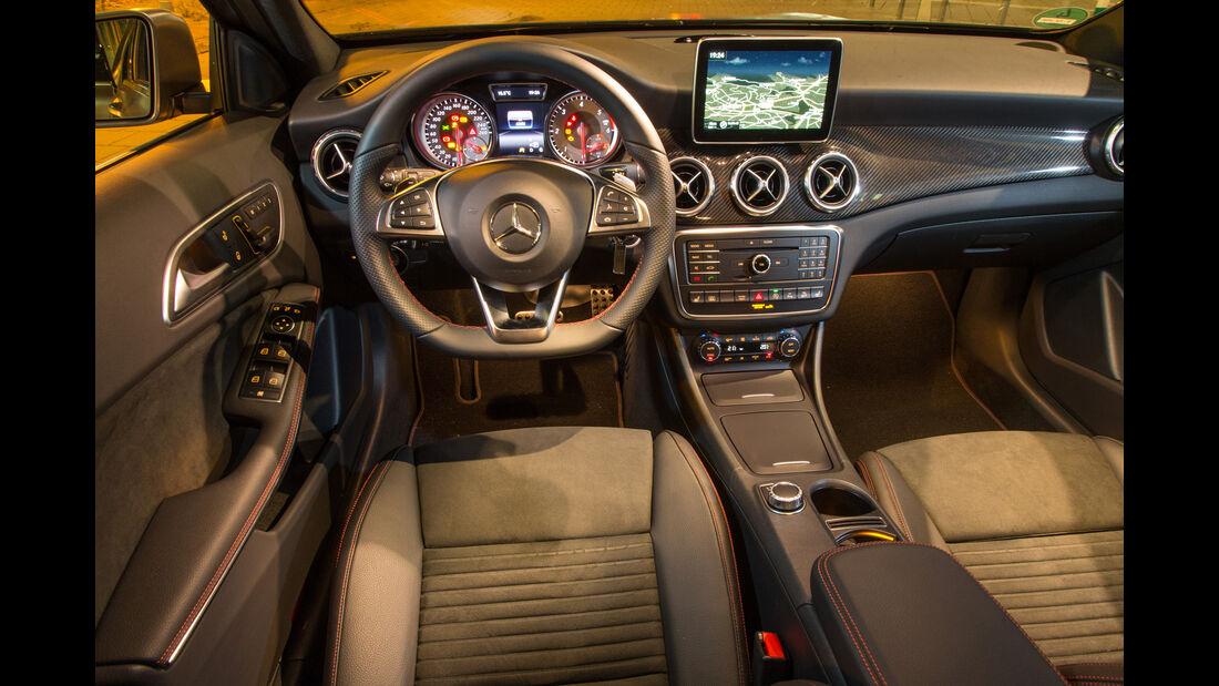 Mercedes GLA 220 d 4Matic, Cockpit