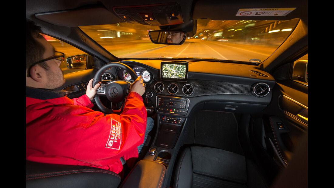 Mercedes GLA 220 d 4Matic, Cockpit, Fahrersicht