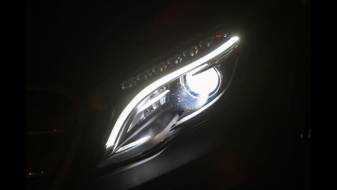 Mercedes GLA 220 d 4Matic, Frontscheinwerfer