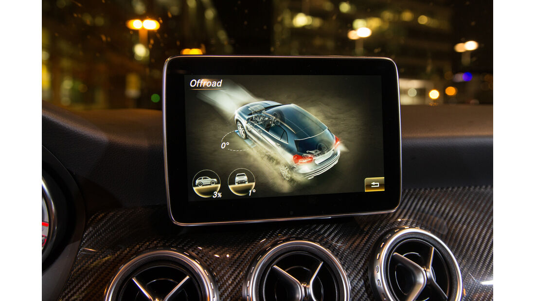 Mercedes GLA 220 d 4Matic, Monitor, Infotainment
