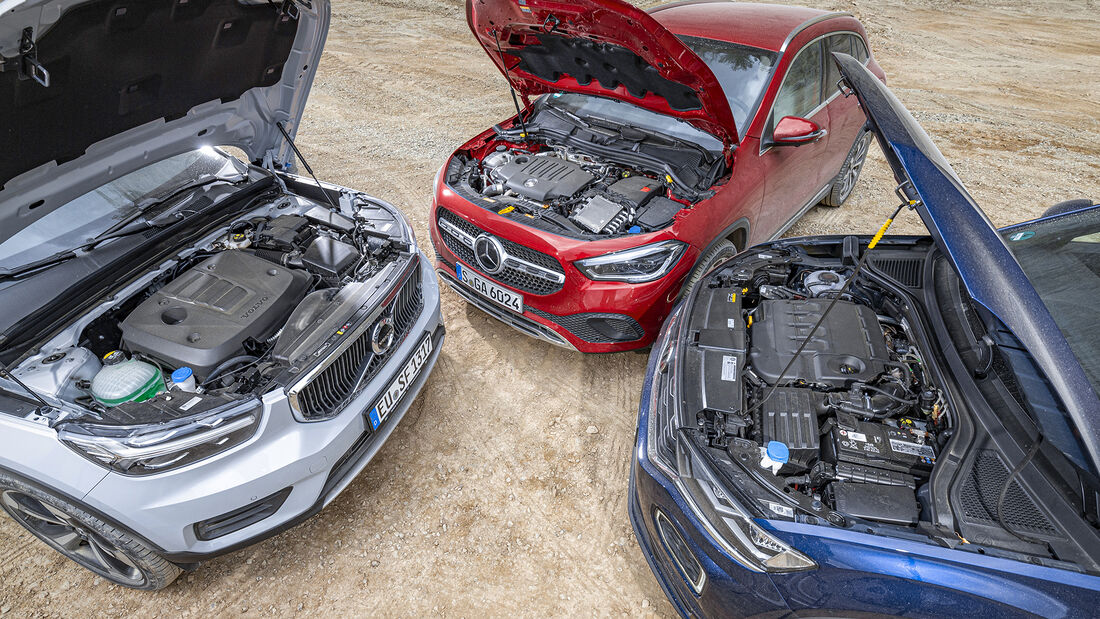 Mercedes GLA 220 d 4Matic, VW T-Roc 2.0 TDI 4Motion, Volvo XC40 D4 AWD, Motorraum