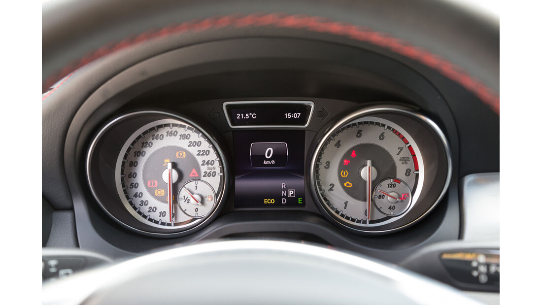 Mercedes GLA 250 4Matic, Rundinstrumente